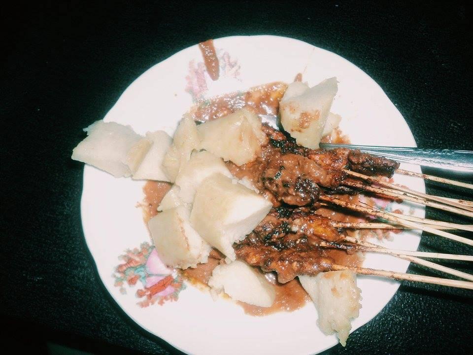 Street food in Southeast Asia, malaysian food, malaysian dishes