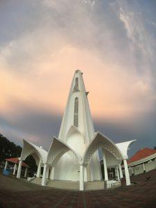 visit Melaka at sunset: Melaka Straits Mosque
