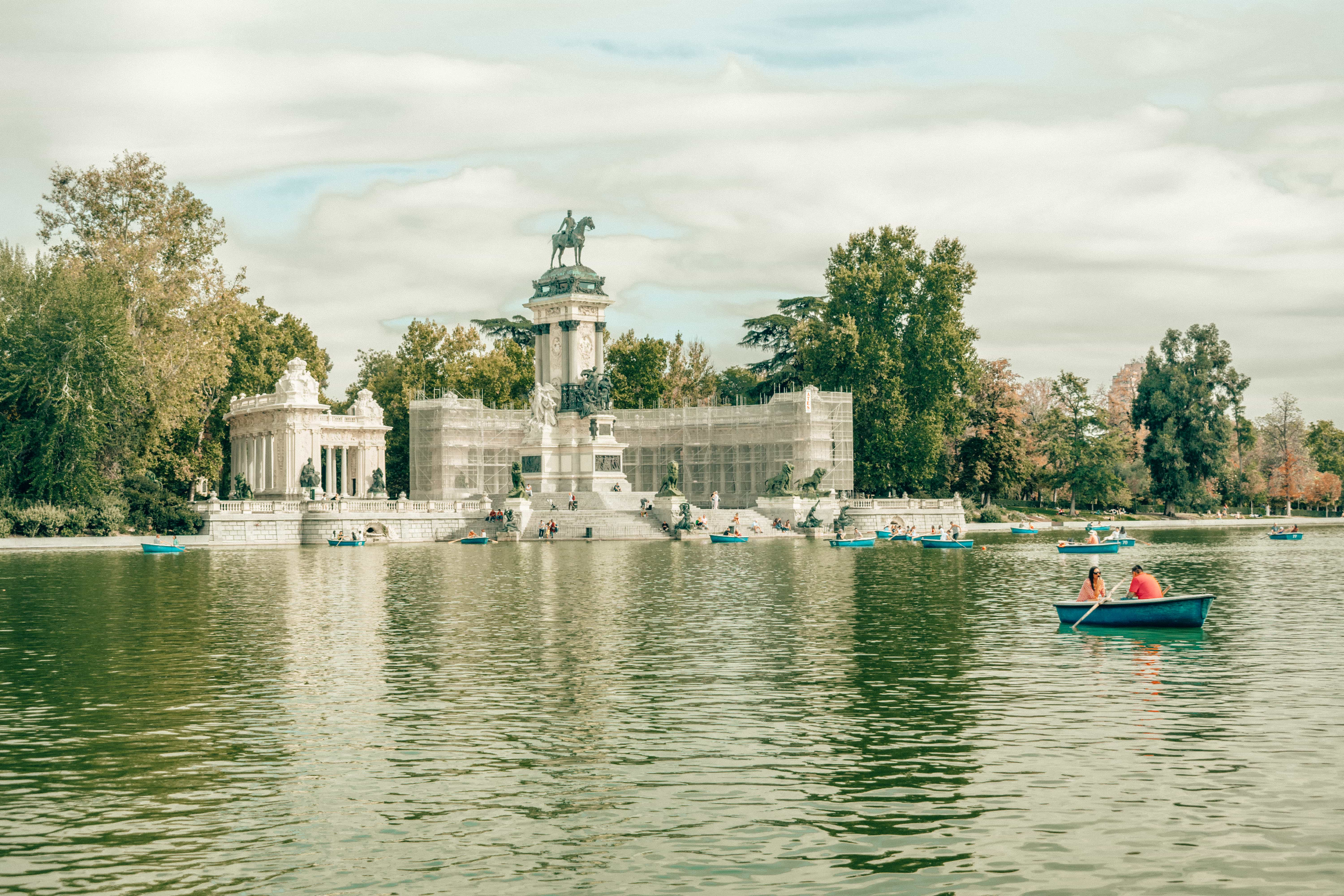Retiro Park in Madrid, places to visit in Madrid, things to do in Madrid, Madrid travel guide