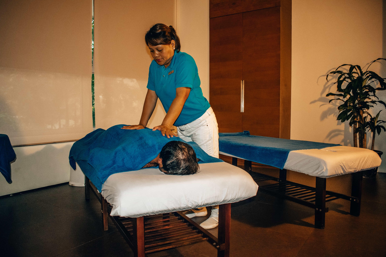 Massage, things to do in pico de loro