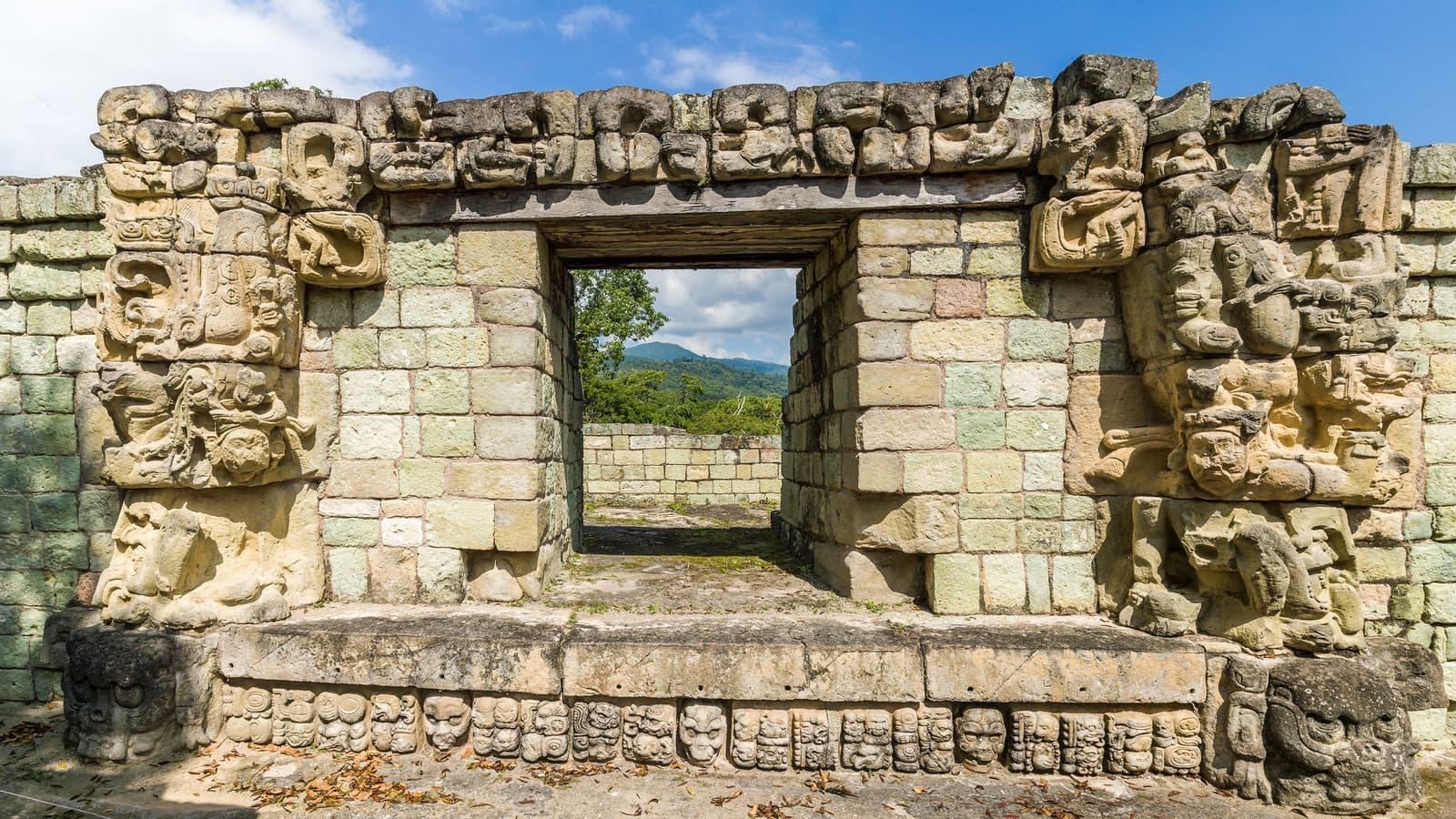 things to do in Honduras, backpacking Honduras, places to visit in Honduras, Honduras travel guide, Honduras travel itinerary, best time to visit Honduras