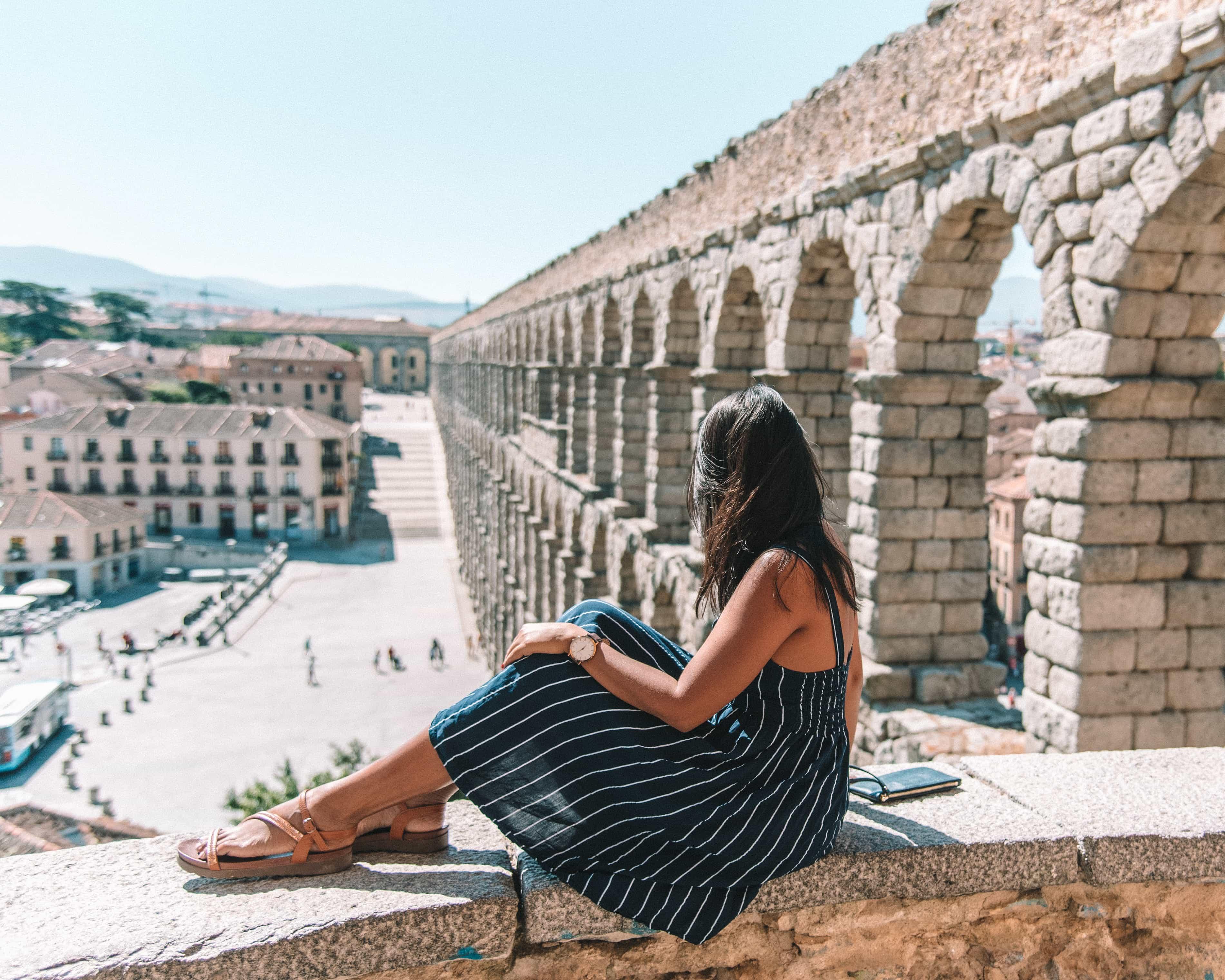 madrid to segovia, madrid to segovia train, madrid to segovia bus, ave train madrid to segovia, distance from madrid to segovia, madrid to segovia by train, how to get to segovia from madrid, bus madrid to segovia, from madrid to segovia, Travel Guide to Segovia: Things to do in Segovia, best time to visit Segovia, day tour from Madrid to Segovia, food to try in Segovia, eat cochinillo in Segovia
