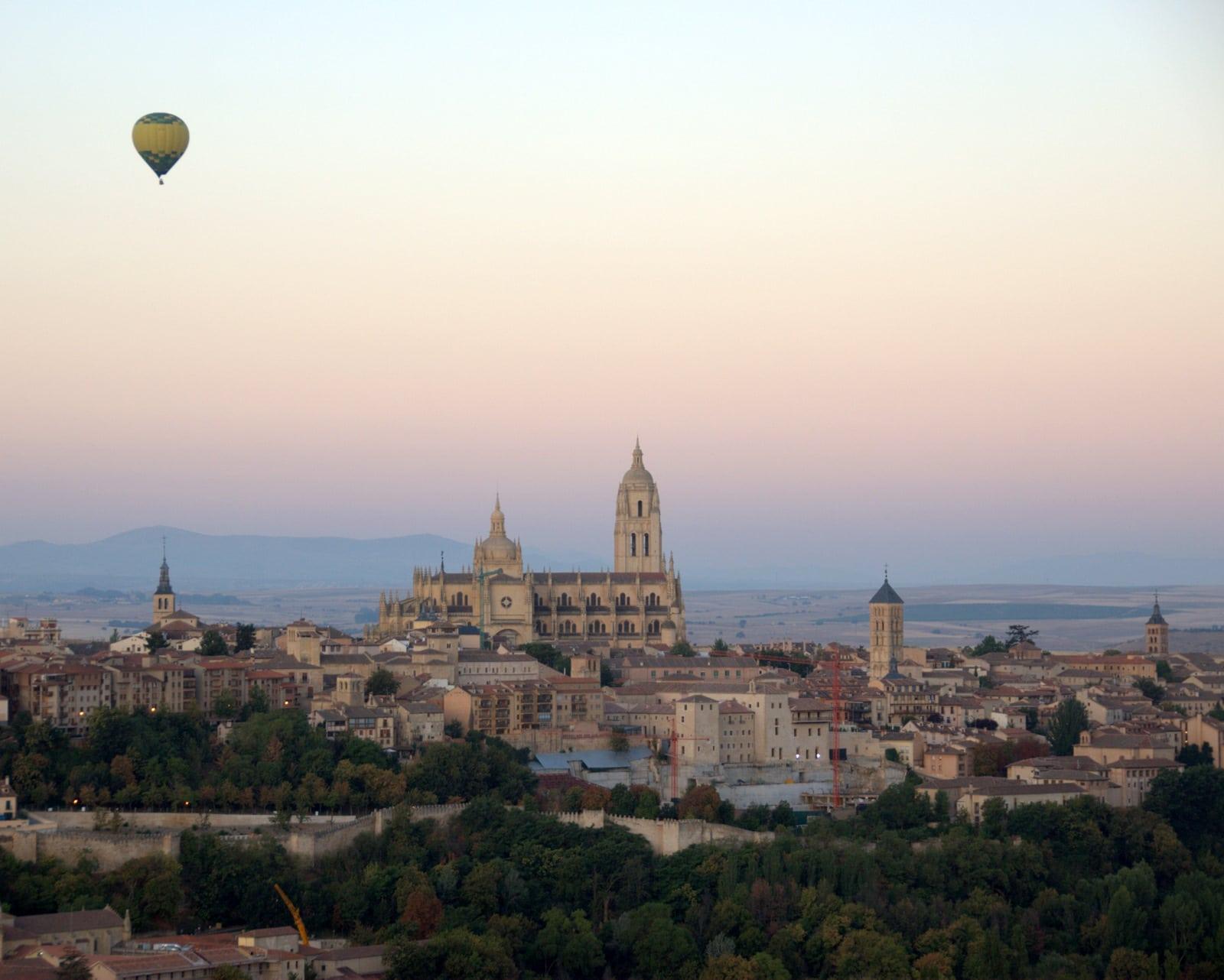 hot air balloon in Segovia