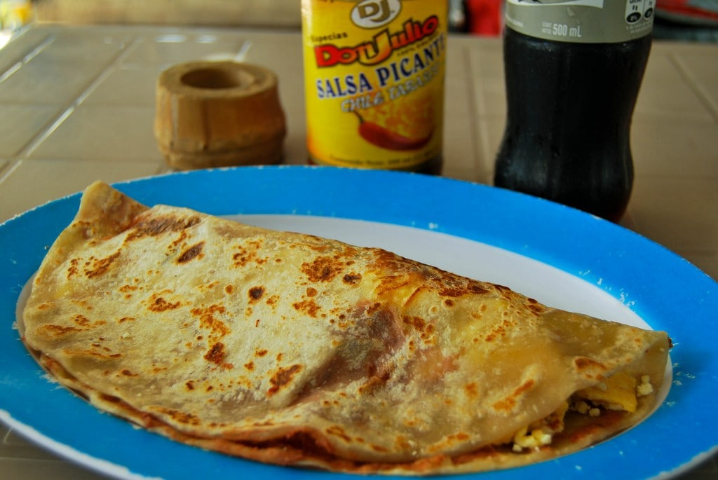 Budget travel in Honduras, Baleadas