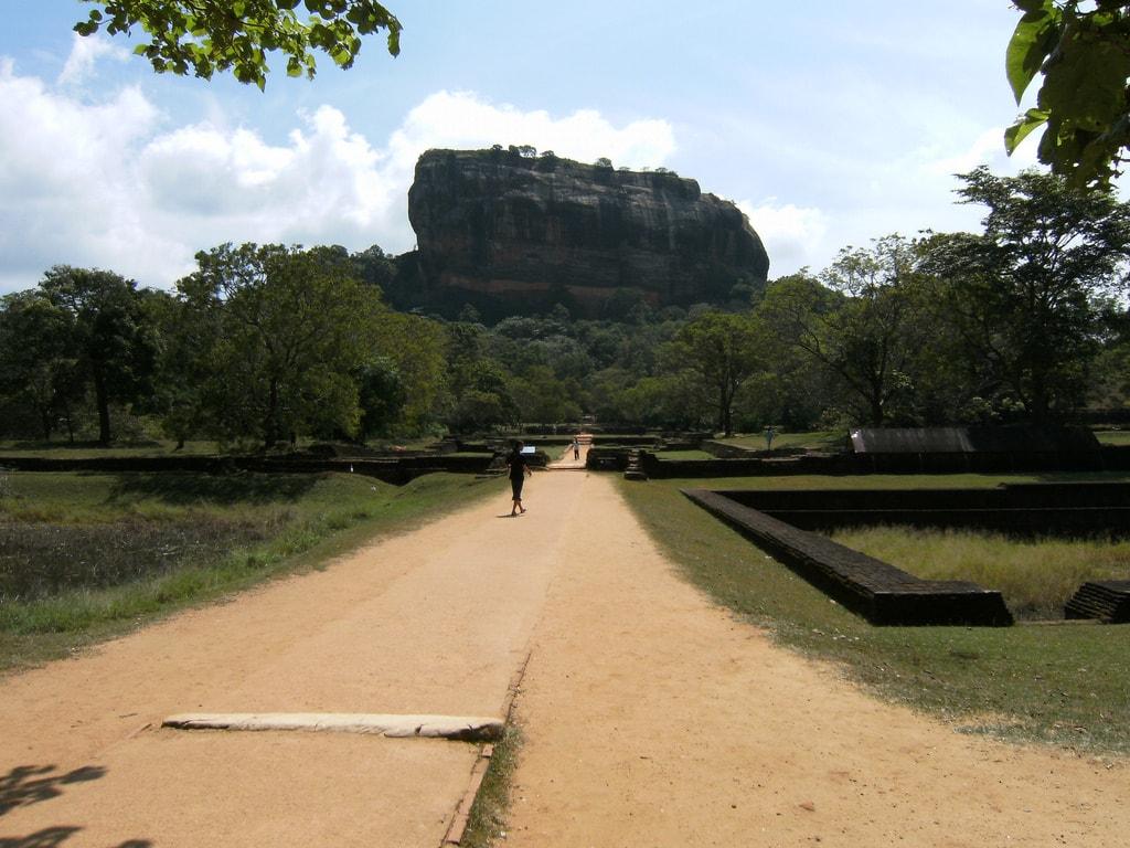 instagrammable places in Sri Lanka, Sirigiya Rock, Sri Lanka travel tips, things to know before visiting Sri Lanka, facts about Sri Lanka