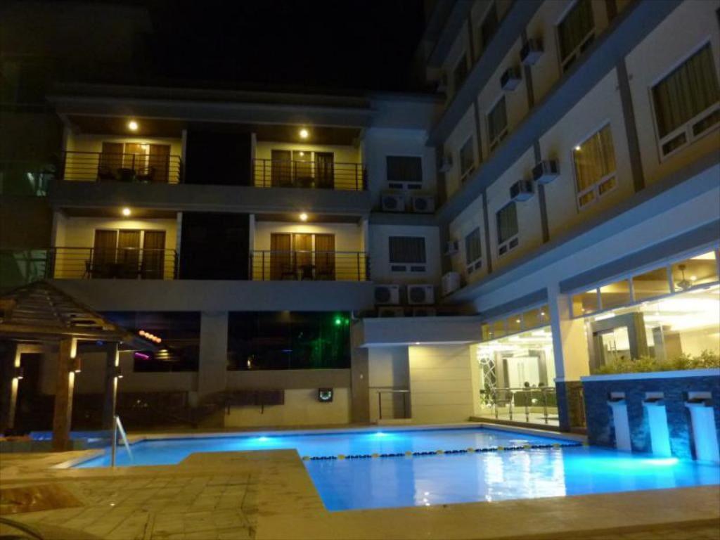 Circle Inn Iloilo, where to stay in iloilo, iloilo hotels, hotels in iloilo, hotels in iloilo city, cheap hotels in iloilo, resorts in iloilo,