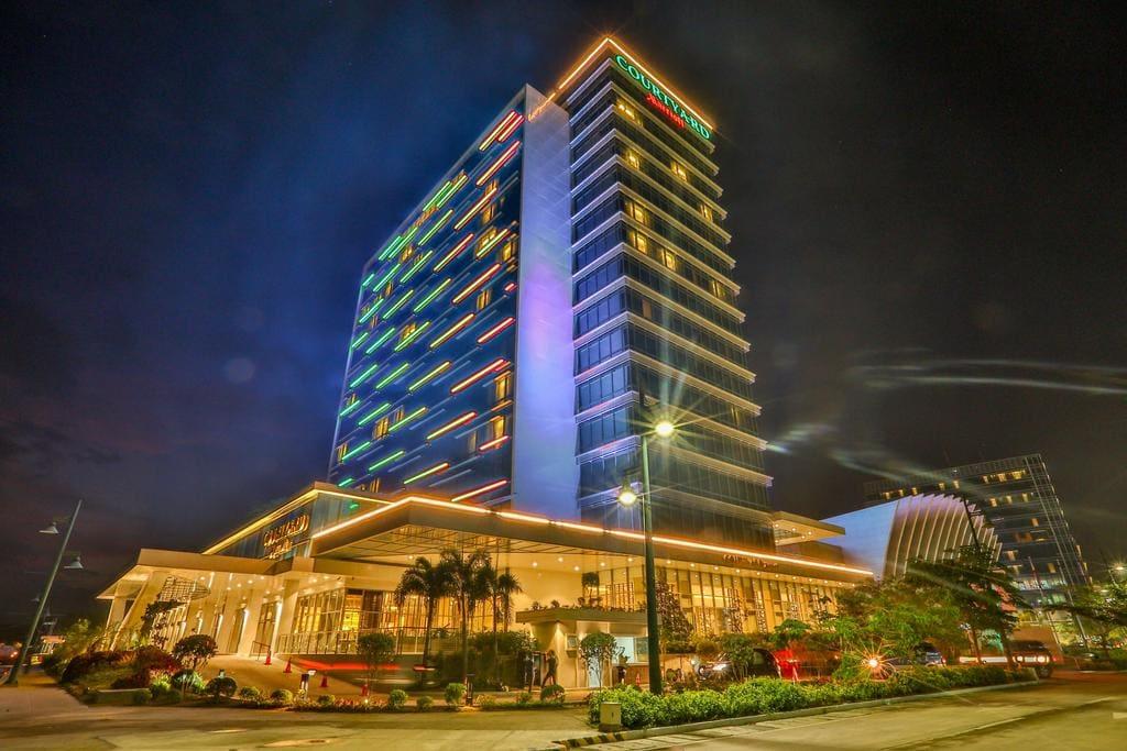 Courtyard by Marriott Iloilo, beach resorts in iloilo, resorts in iloilo, hotels in iloilo, hotels in iloilo city, cheap hotels in iloilo