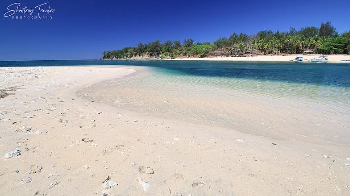 Beaches in Zambales, hermana menor island