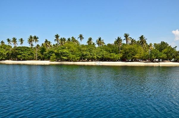 Beaches in Zambales, potipot island