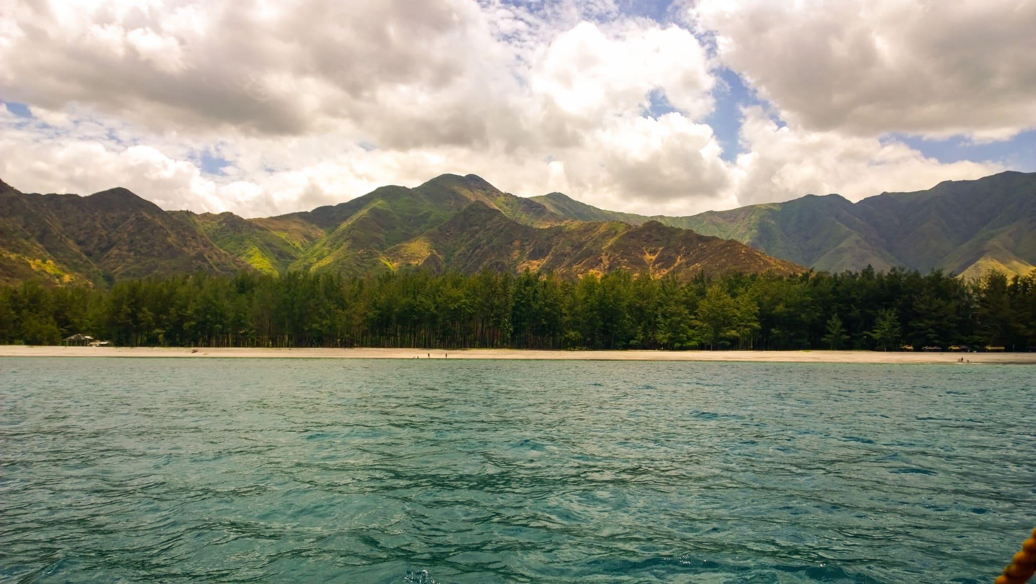 Beaches in Zambales, talisayen cove