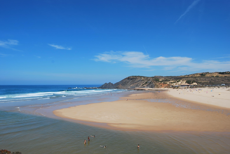 Praia da Amoreira, beaches in Algarve