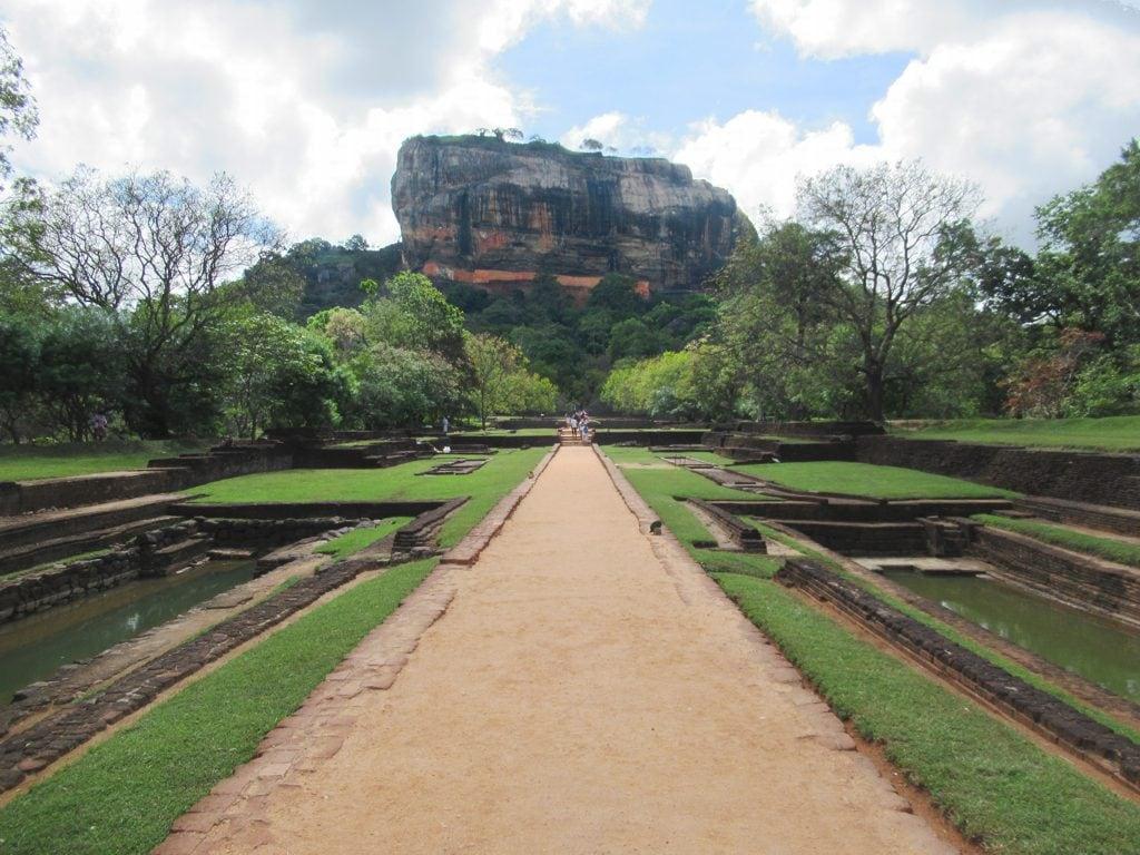 Sri Lanka tourist spots, Sirigiya,