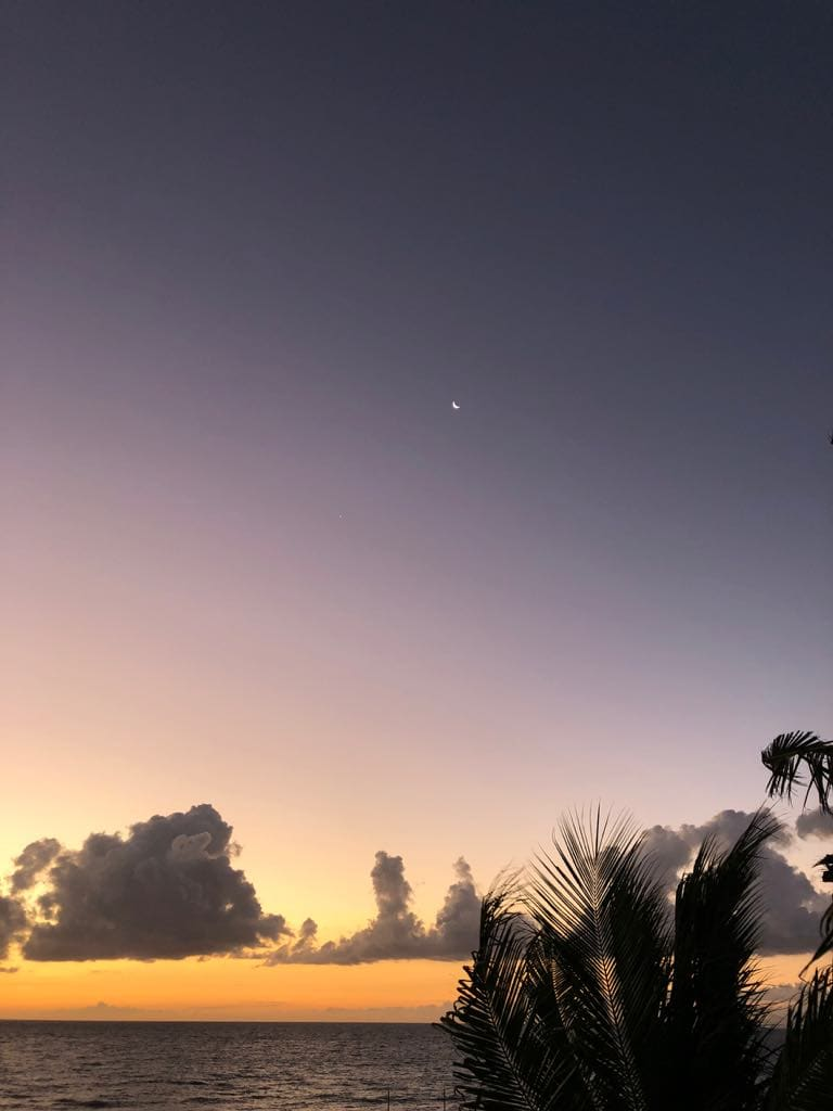 How to get to Carabao Island, Carabao Island travel guide, what to do in Carabao Island, Carabao Island, sunrise in Carabao Island