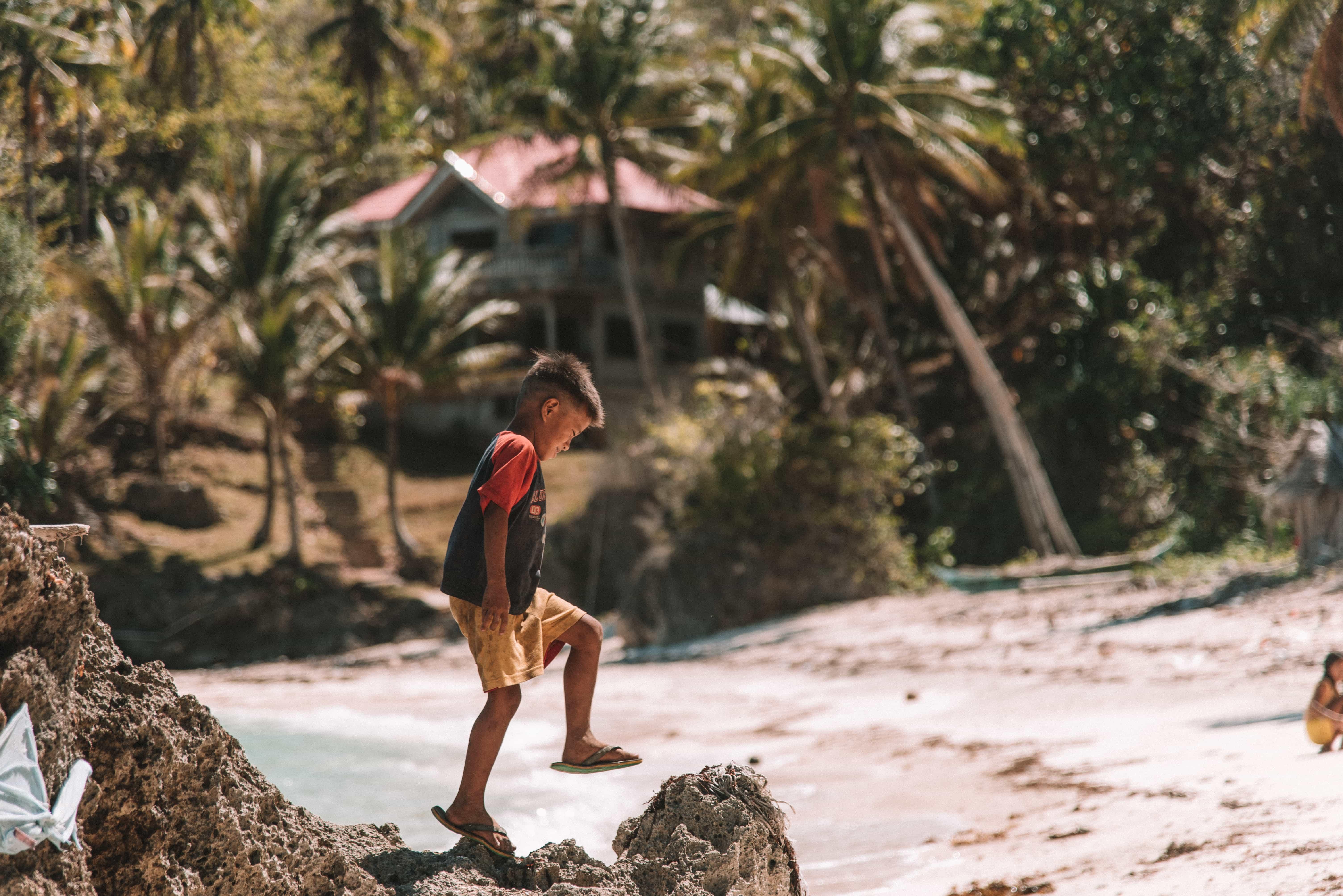 How to get to Carabao Island, Carabao Island travel guide, what to do in Carabao Island, Carabao Island, secret beach in Carabao Island