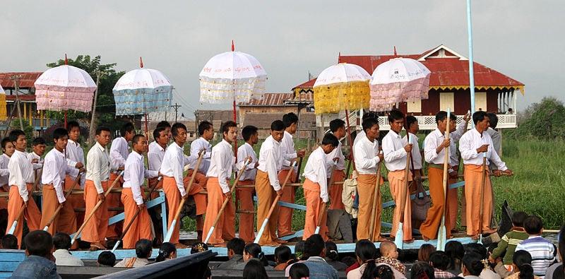 Phaung Daw Oo festival in Inle Lake