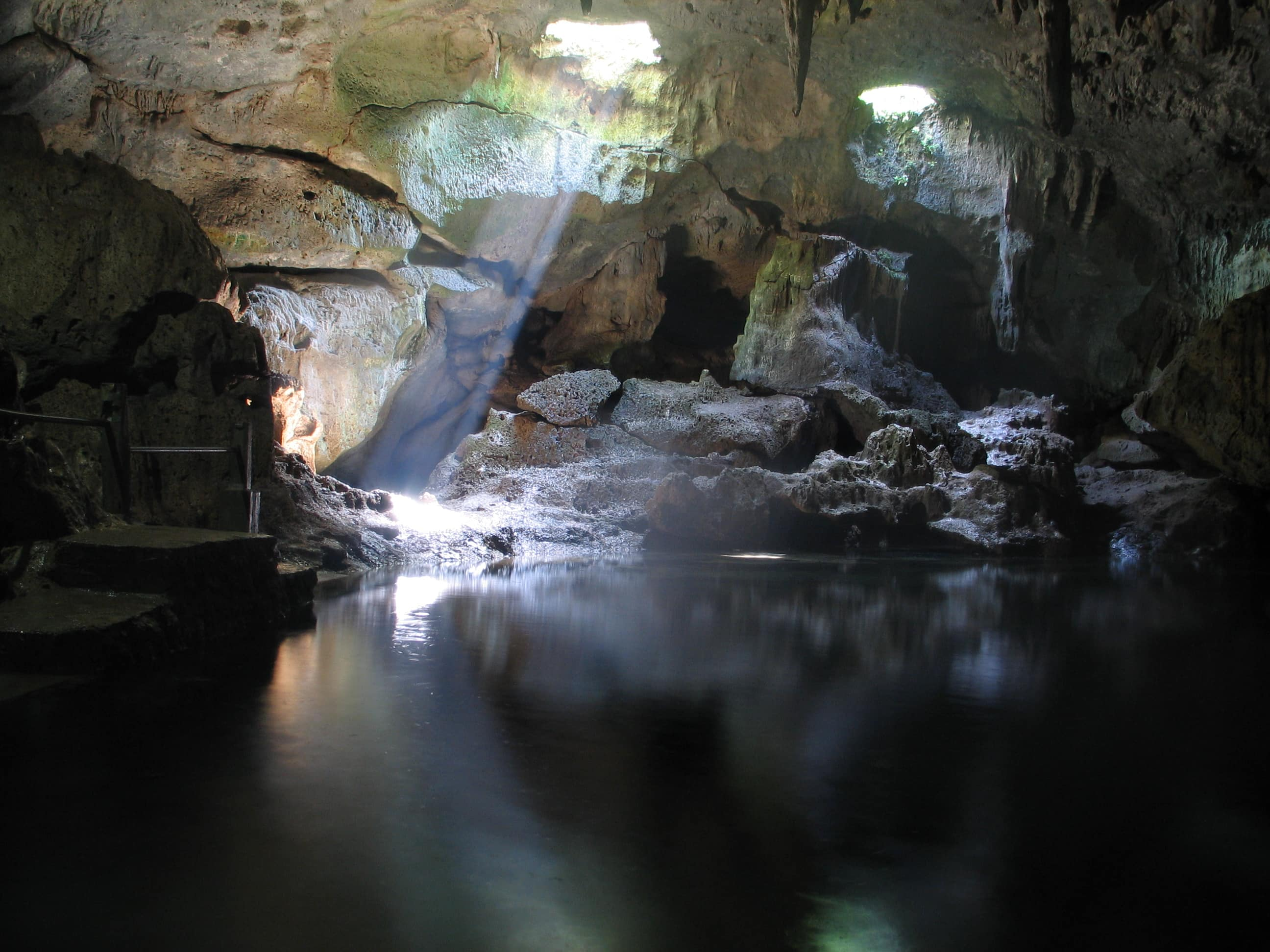 Places to visit in Bohol, Hinagdanan Cave