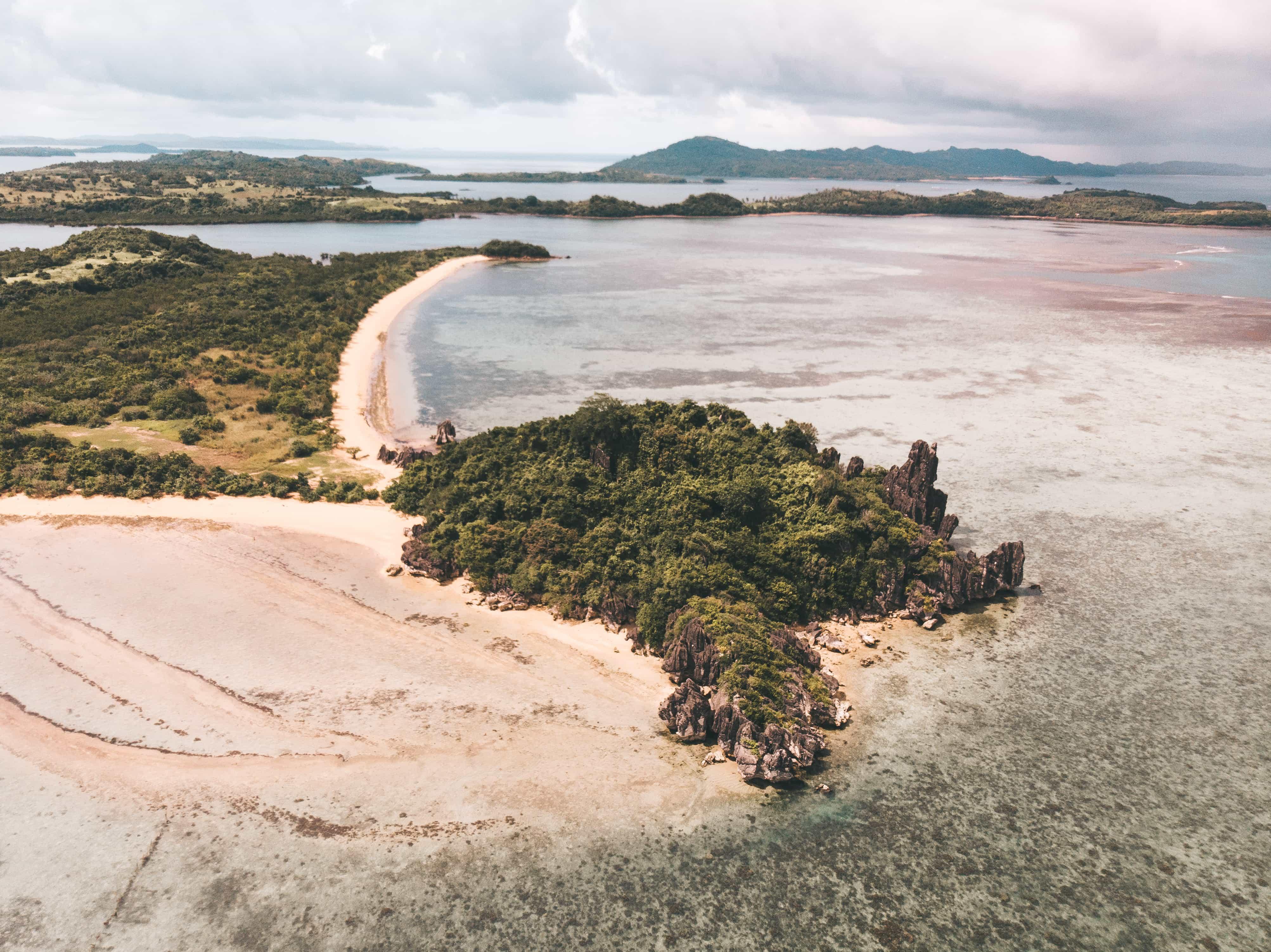 Sabitang Laya, Caramoan tourist spots, Caramoan travel guide