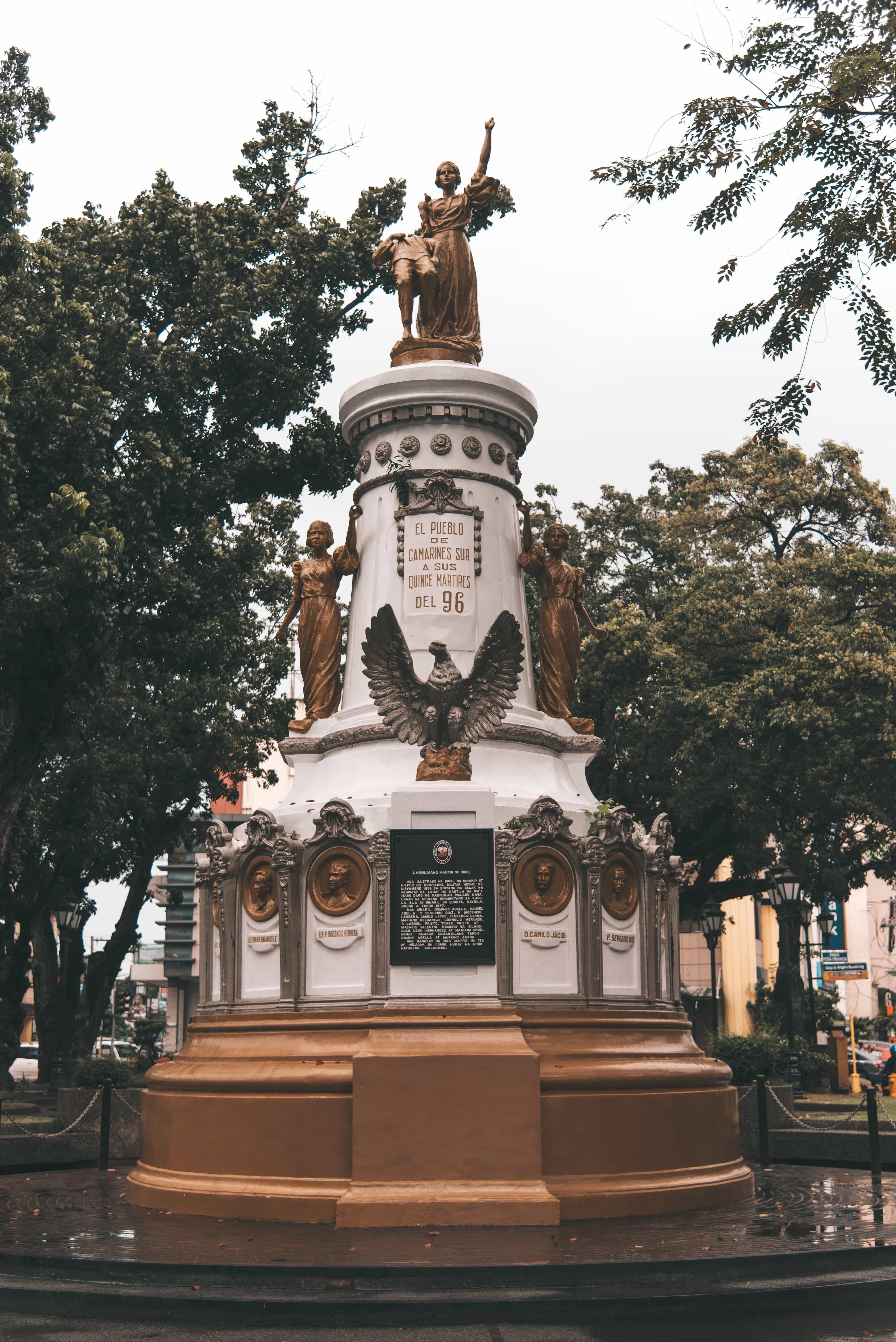Plaza Quince Martires, Naga tourist spots