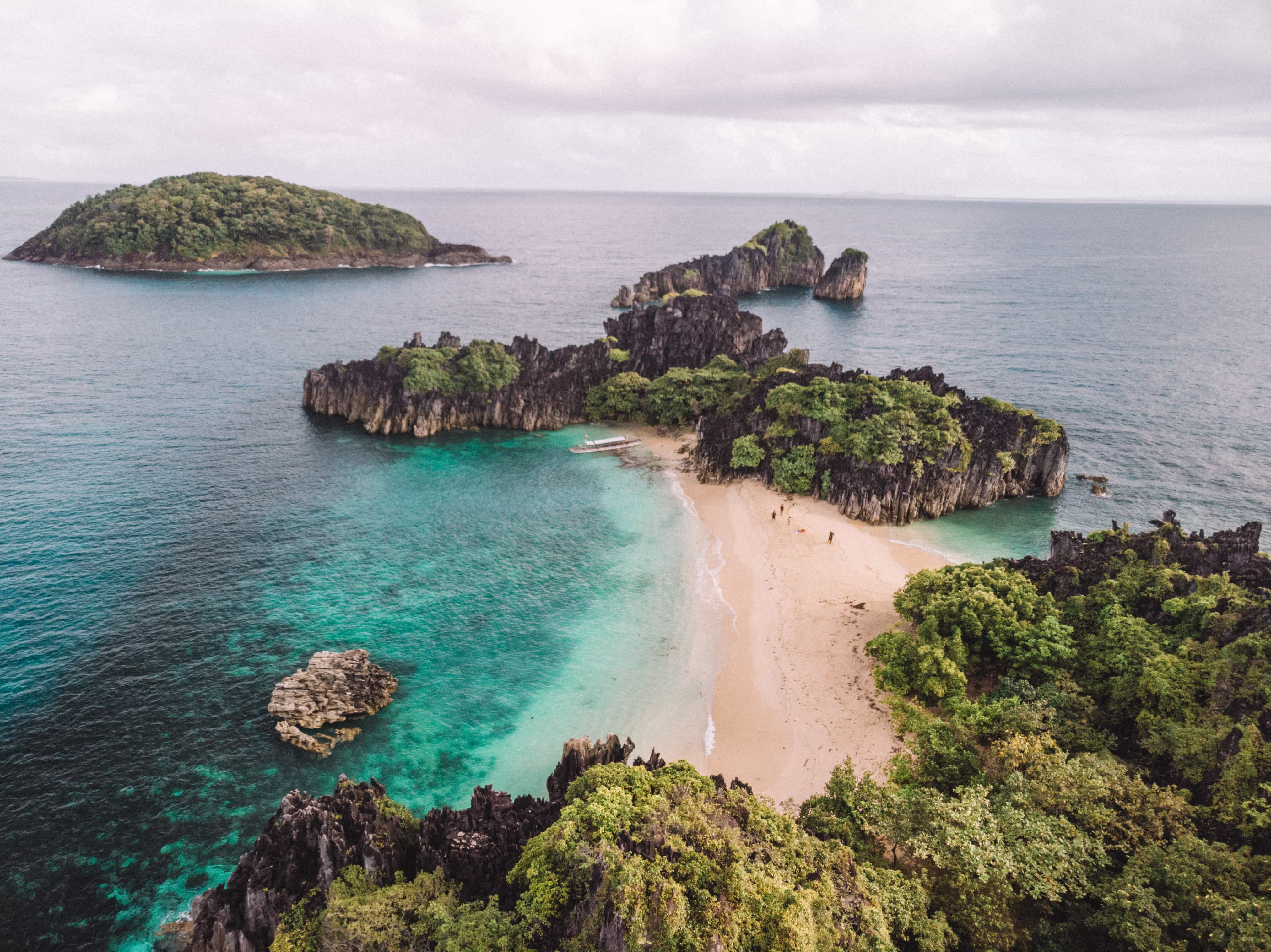 , How to get to Caramoan, Lahos Beach
