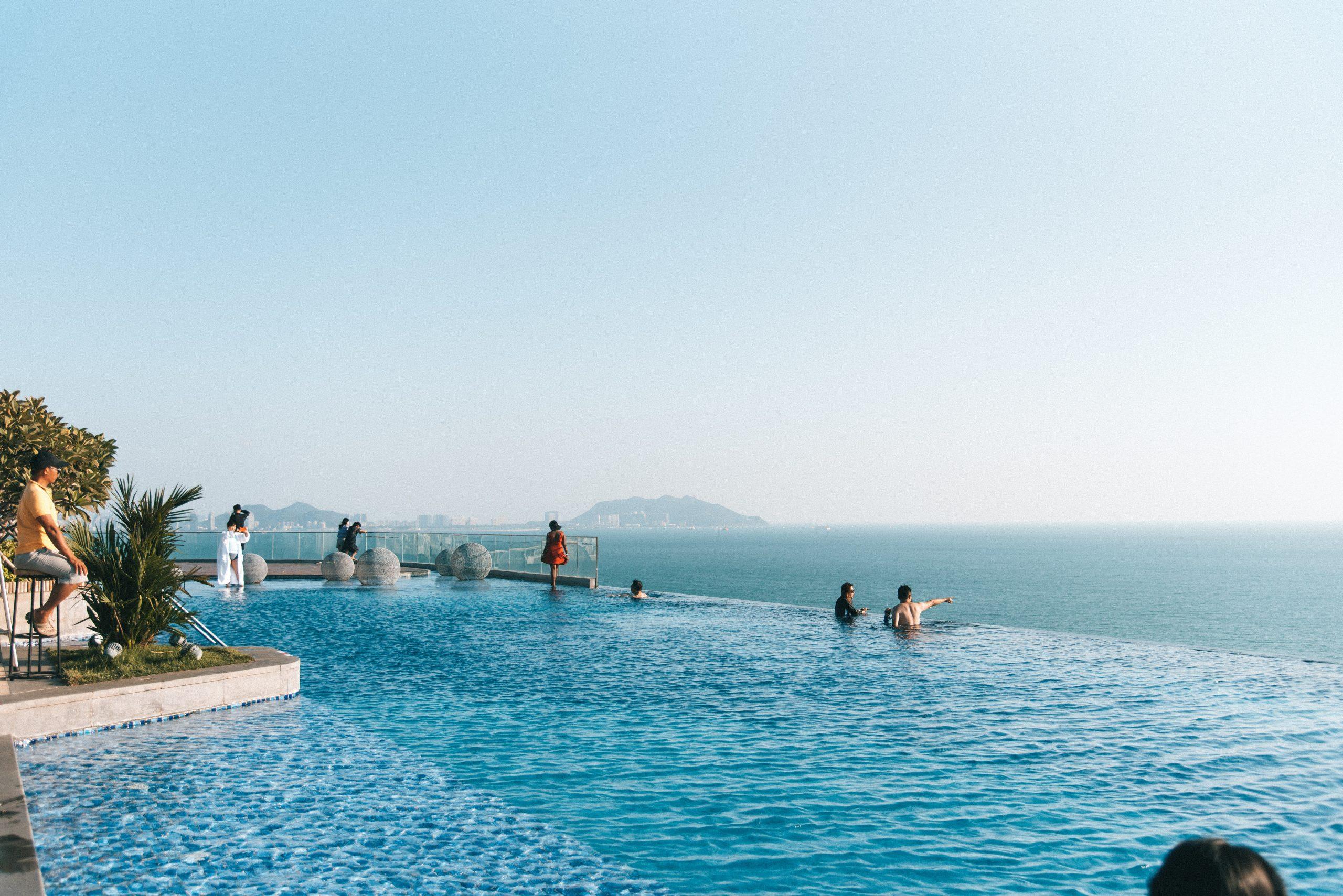 things to do in Sanya, Sanya travel guide, infinity pool in Sanya, Conifer Resort in Sanya,