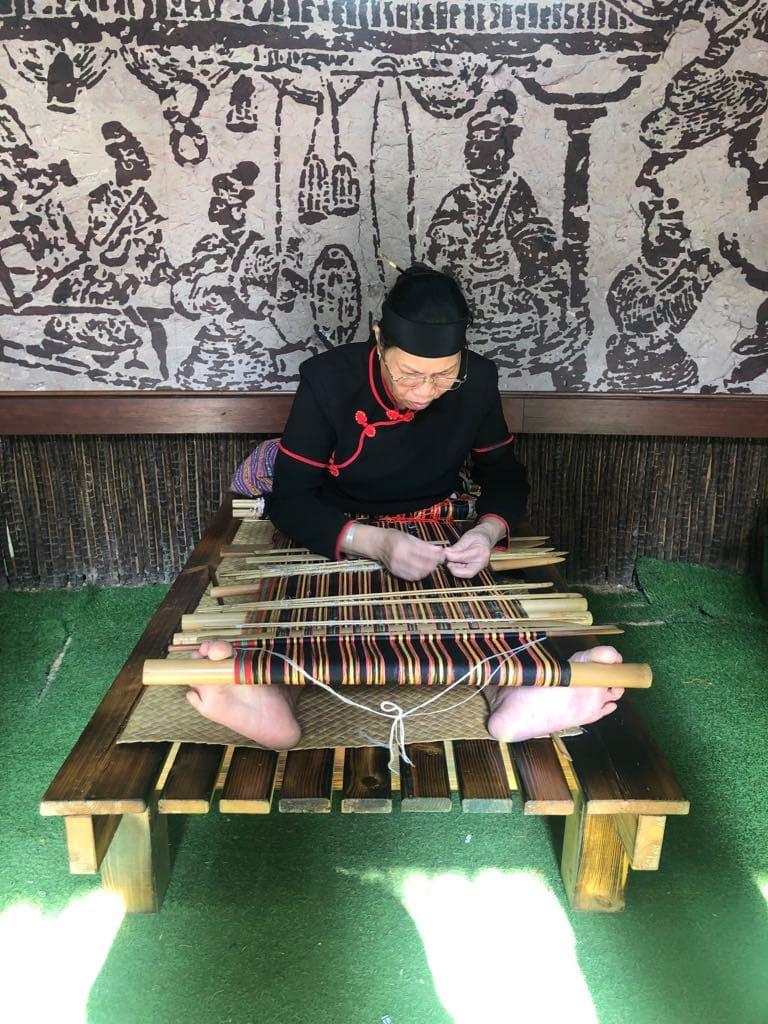 Binglanggu Hainan Li & Miao Cultural Heritage Park