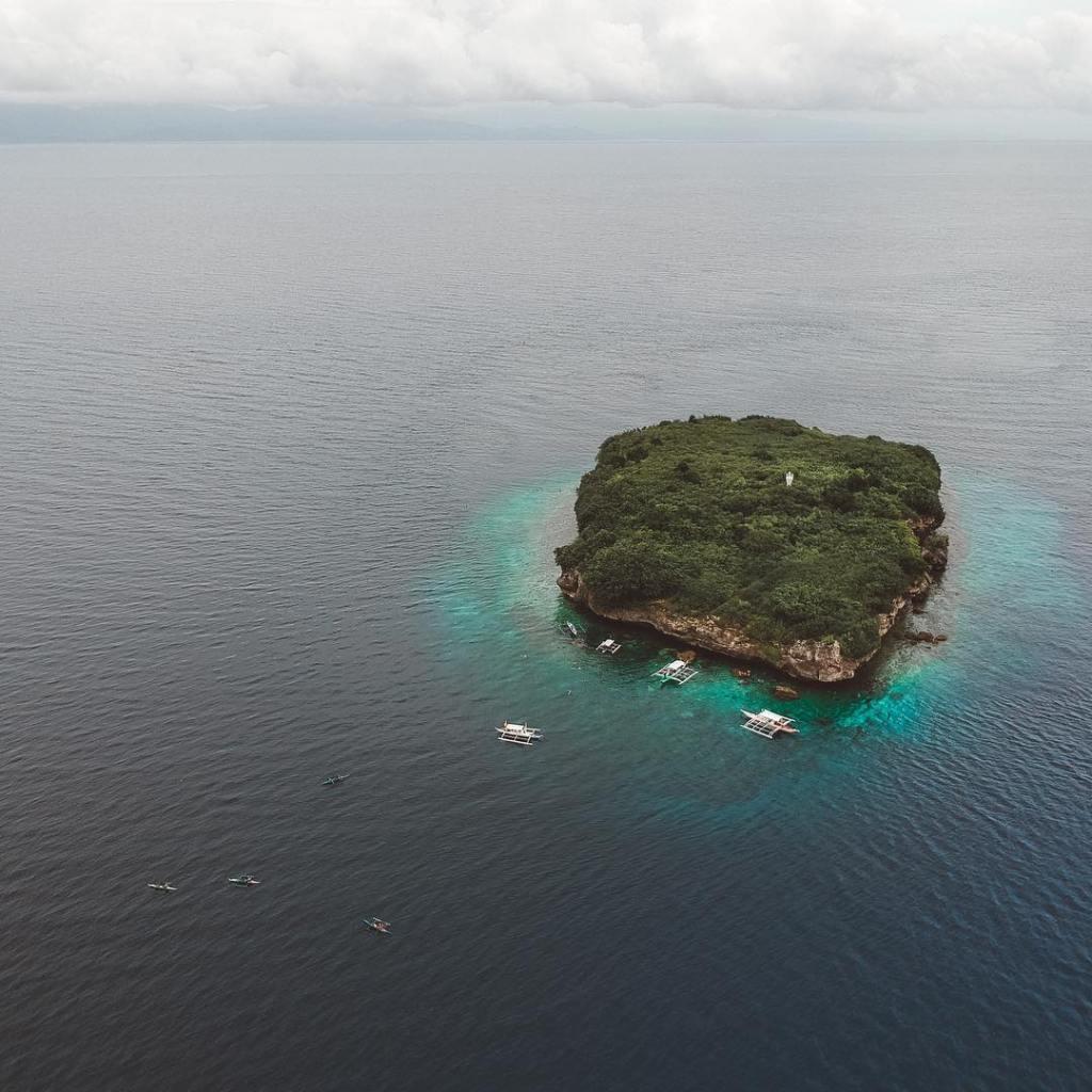 Moalboal island hopping, Pescador island