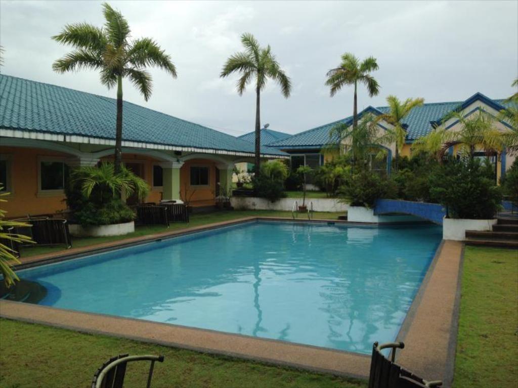 Club Angeles Villa Cruz Resort, hotels in pampanga, resorts in Pampanga