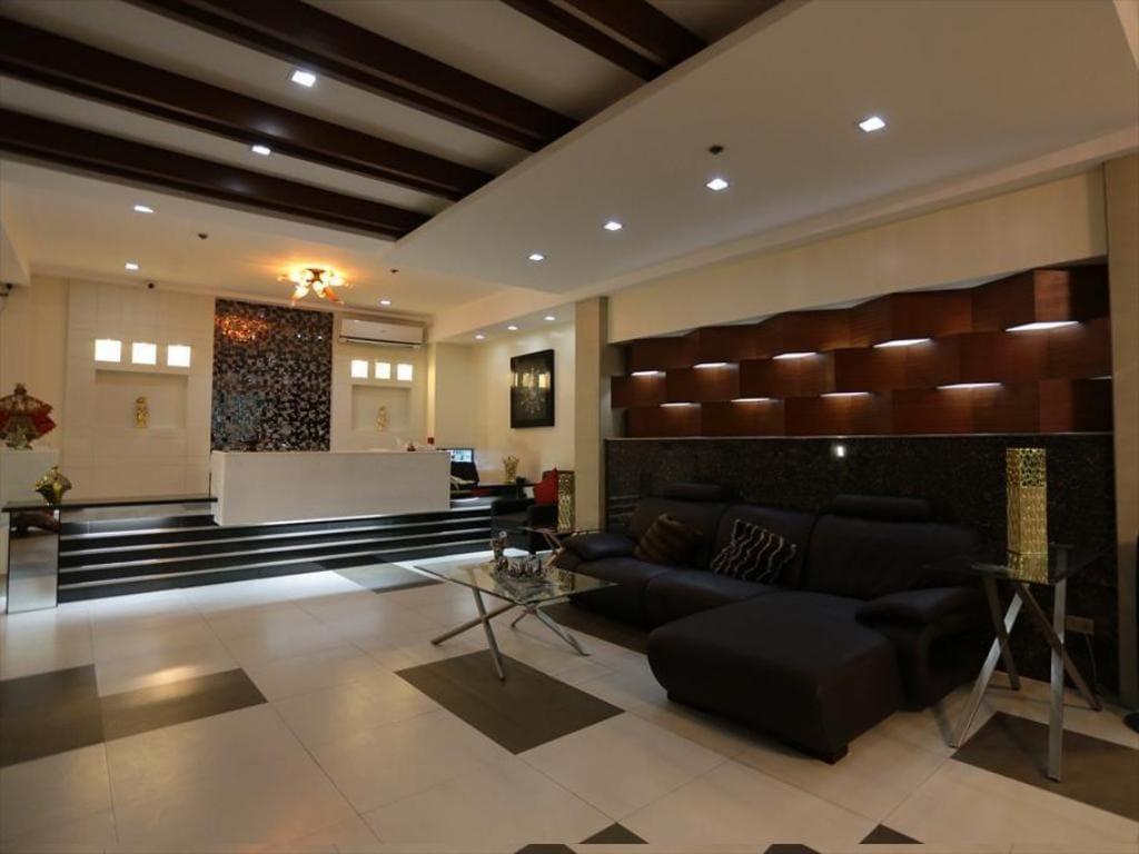 Ey Miner Suites Borromeo Branch, hotels in Surigao city