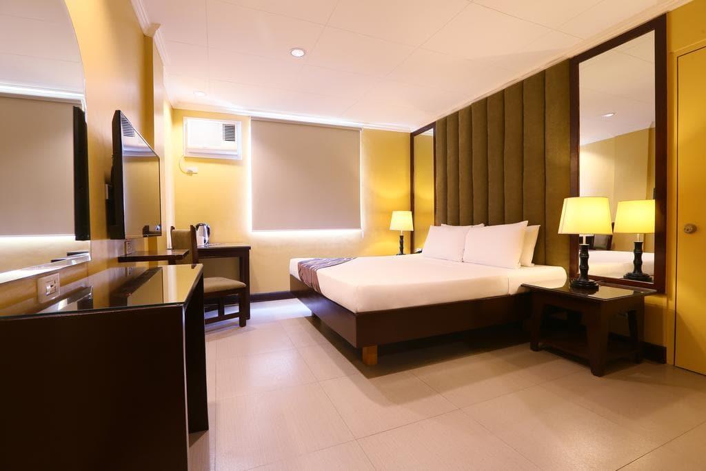 Hotel La Corona de Lipa, hotels in lipa, lipa resorts, lipa hotels