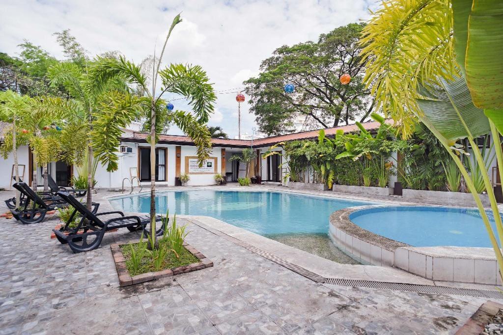 OYO 472 Poleng Villa, hotels in pampanga, resorts in Pampanga