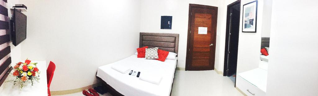 Red-Corner Residences-Standard Double, naga hotels, hotels in naga city, hotels in naga