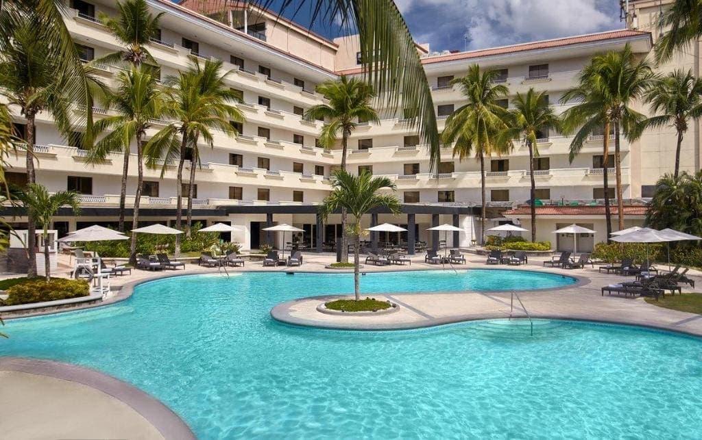 cheap hotels in Clark, hotels in Clark, hotels in Clark Pampanga