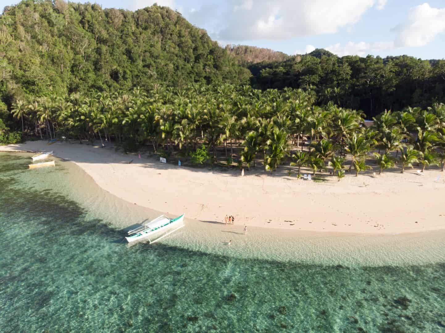 Pamomoan Beach, Pamomoan Island