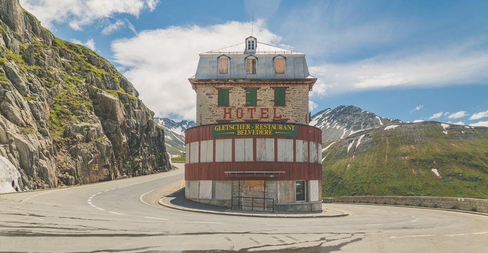 Parking your car in Switzerland, how to park in Switzerland