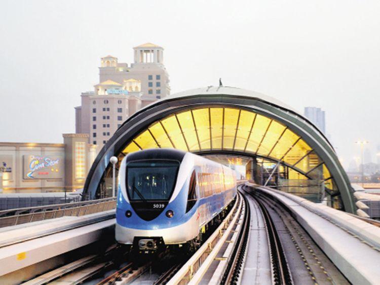 Metro Dubai Airport, dubai airport to Burj Khalifa, dubai airport to Dubai Mall, dubai airport to city center, dubai airport to city, How To Get From Dubai Airport To City Center