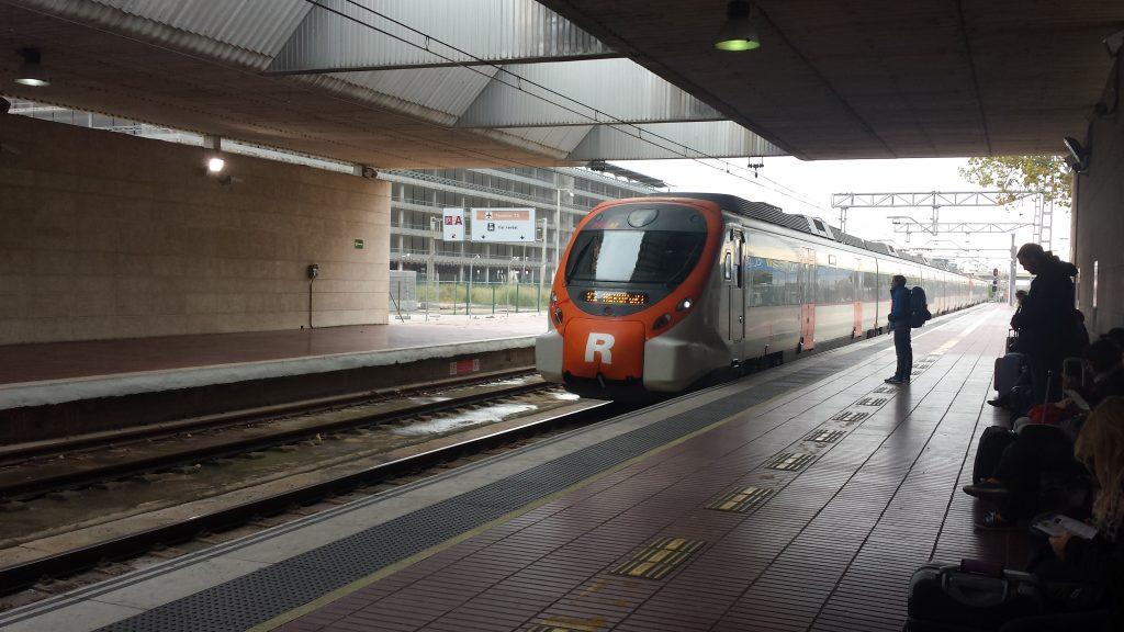Train Barcelona Airport, barcelona airport to city, barcelona airport transfers, barcelona airport bus, barcelona airport shuttle, barcelona airport to city center, barcelona airport train, How To Get From Barcelona Airport To City Center