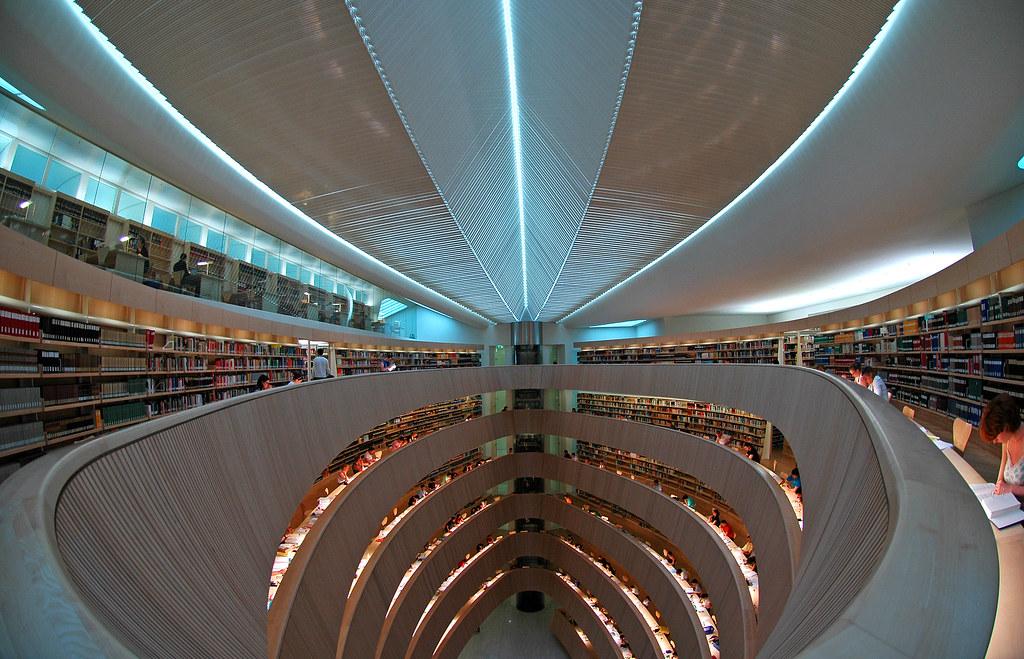 Bibliothek RWI, most instagrammable places in zurich, instagrammable spots Zurich