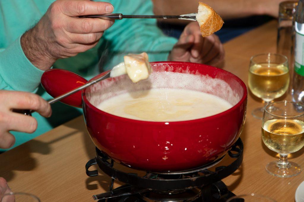 vegetarian dishes in Switzerland, swiss vegetarian dishes, vegan Swiss food, Cheese Fondue
