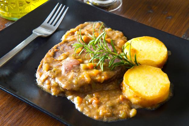 swiss food, switzerland food, swiss cuisine, swiss dishes, switzerland traditional food, Polenta and braised beef