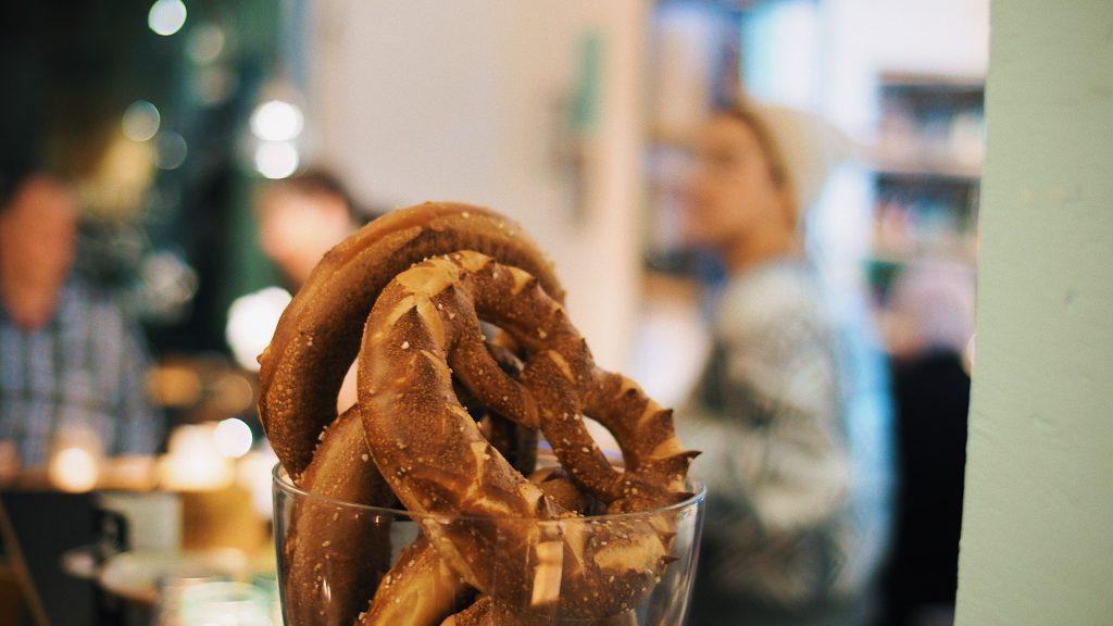 vegetarian dishes in Switzerland, swiss vegetarian dishes, vegan Swiss food, pretzels