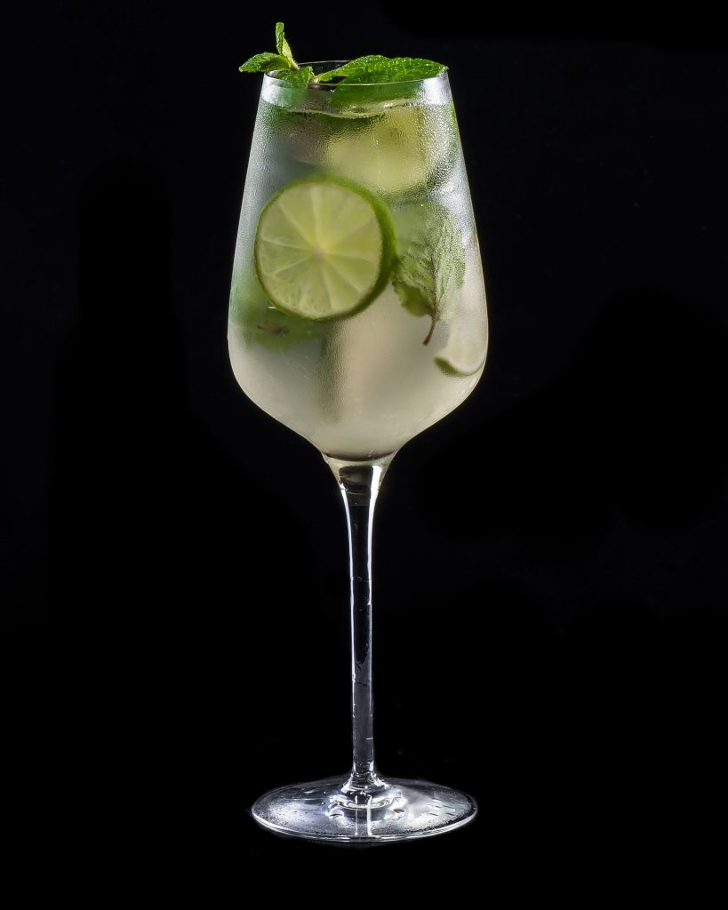 Hugo, drinks in switzerland, swiss beverages, swiss drinks,