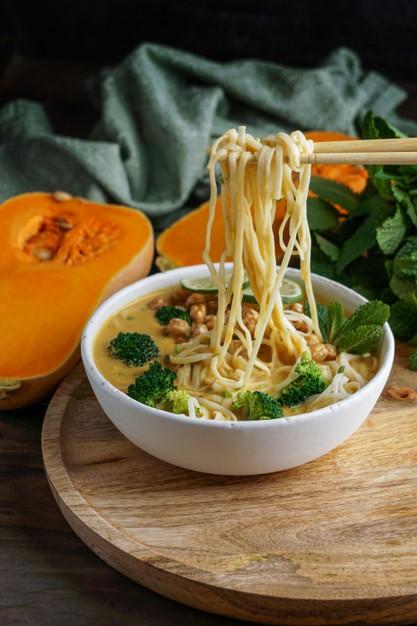 Vegetarian Food In Malaysia, vegan food in Malaysia, vegetarian dishes in Malaysia, Malaysian Vegetarian Dishes, Laksa
