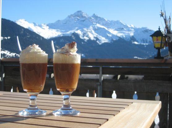Schümli Pflümli, drinks in switzerland, swiss beverages, swiss drinks,