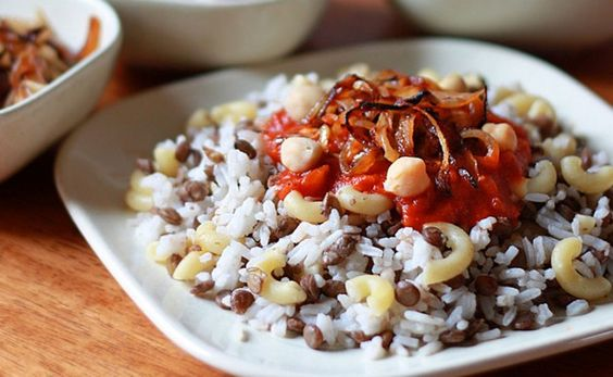 egyptian food, egyptian cuisine, egyptian dishes, egypt traditional food, food in egypt, Koshari, Egypt Travel Tips, things to know before visiting Egypt, facts about Egypt, Koshari