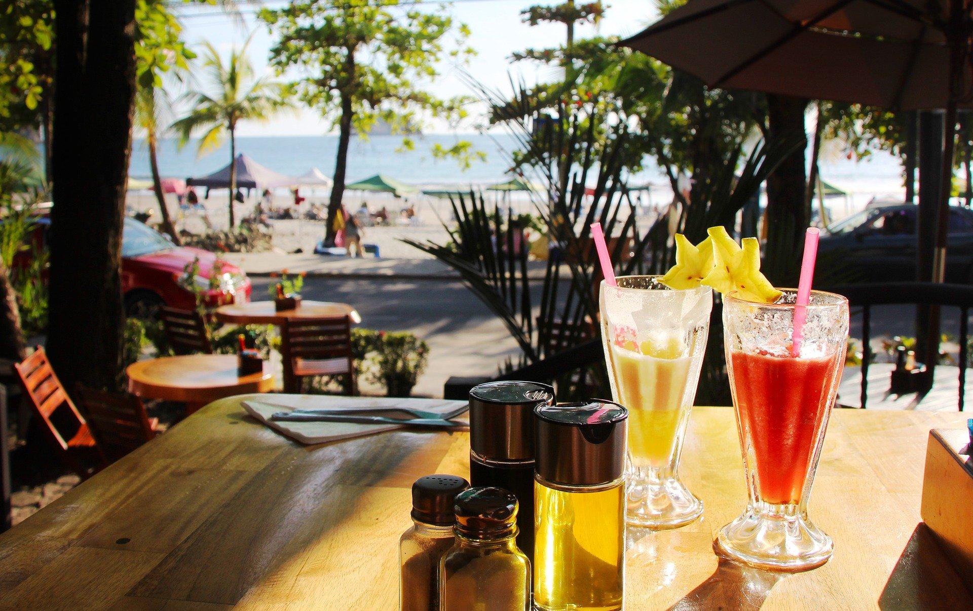 Costa Rican drinks, drinks in Costa Rica, Costa Rican Beverages, beers in Costa RicaPura Vida Cocktail