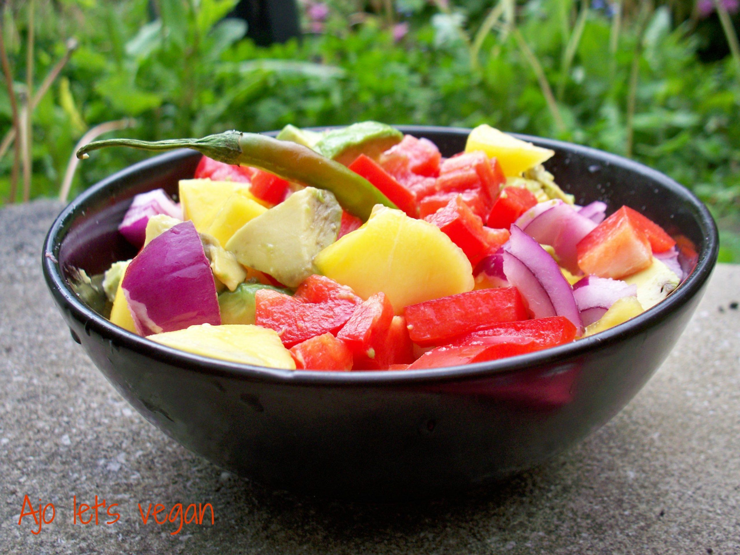 vegetarian food in Guatemala, vegan food in guatemala, vegetarian dishes in Guatemala,  Guatemalan vegetarian dishes, Spicy Mango And Avocado