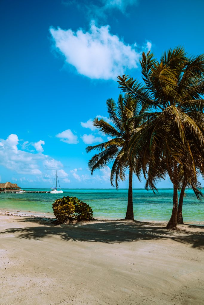 Belize Travel Tips, things to know before visiting Belize, facts about Belize