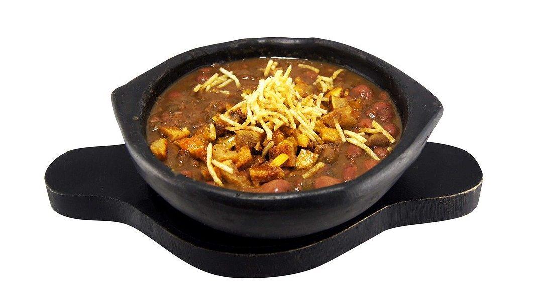 Cazuela de Frijoles, food in Colombia, Colombian food, traditional food in Colombia, Colombian dishes, Colombian cuisine