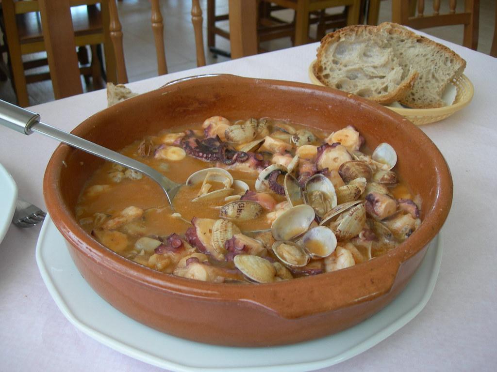 Cazuela de Mariscos, food in Colombia, Colombian food, traditional food in Colombia, Colombian dishes, Colombian cuisine