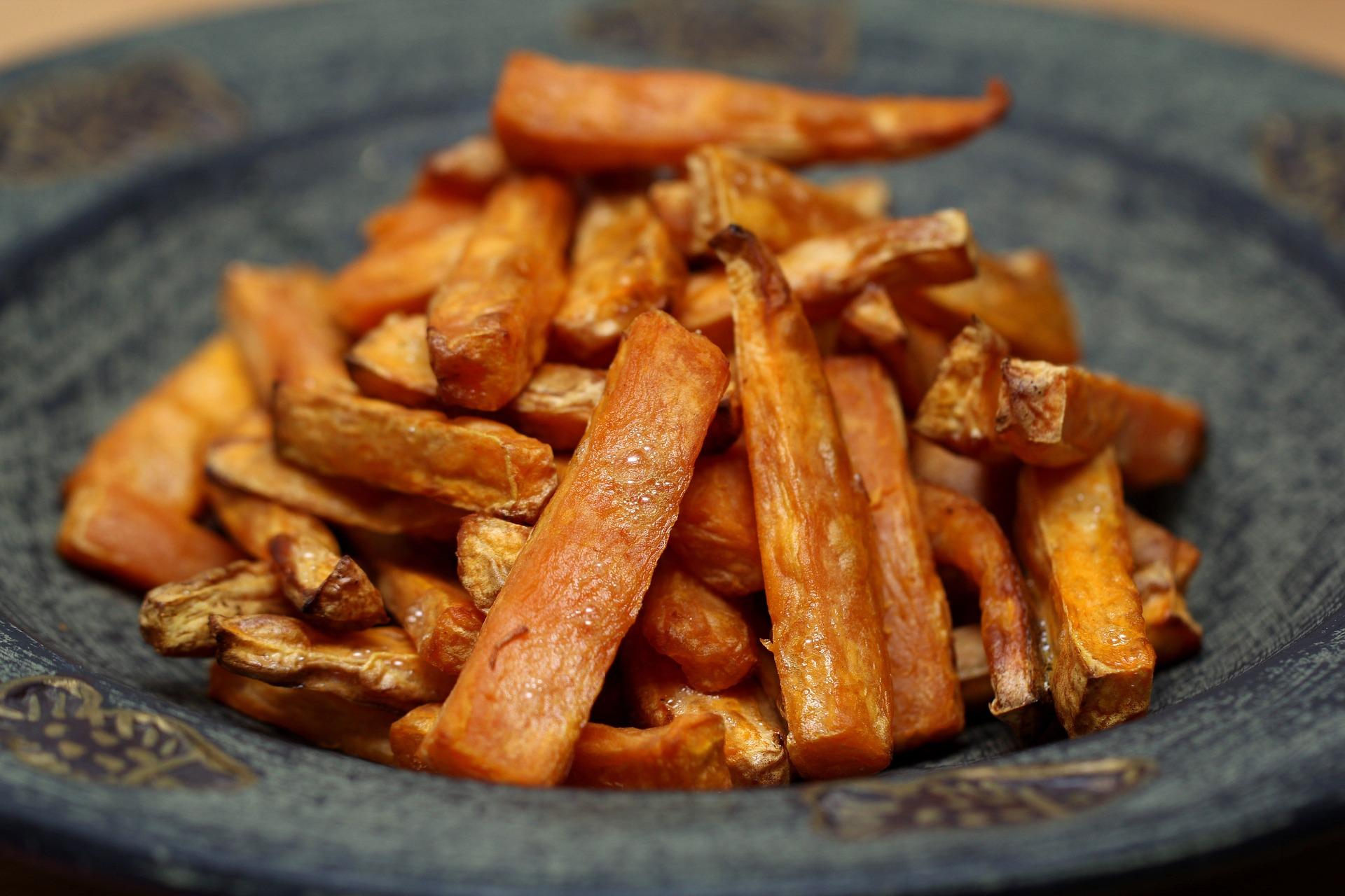 Fried potatoes - Fried plantains Bahamian cuisine, food in Bahamas, Bahamian food, traditional food in Bahamas, Bahamian dishes, vegetarian food in bahamas, vegan food in bahamas, bahamas vegetarian dishes, vegan in bahamas, vegetarian in bahamas